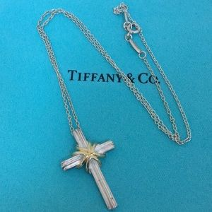 🔴❤️Authentic Tiffany & Co Cross Necklace💋❤️